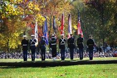 Farben-Abdeckung - Veteranen-Tageszeremonie bei Vietnam Mem Stockbild
