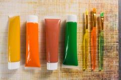 Farben der Natur - Mischung von Grünem, von Gelbem und von Braunem - Haupt oder Stockfoto