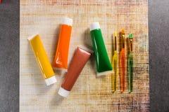 Farben der Natur - Mischung von Grünem, von Gelbem und von Braunem - Haupt oder Stockfotografie