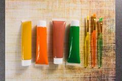 Farben der Natur - Mischung von Grünem, von Gelbem und von Braunem - Haupt oder Lizenzfreies Stockbild