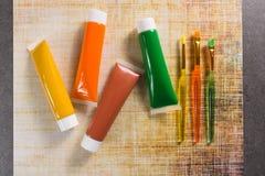 Farben der Natur - Mischung von Grünem, von Gelbem und von Braunem - Haupt oder Stockfotos