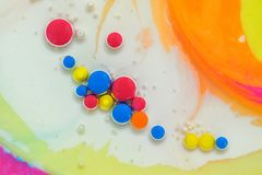 Farben geschaffen durch Öl und Farbe Lizenzfreies Stockbild