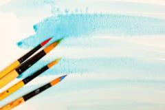 Farben und Bürsten Lizenzfreie Stockfotos