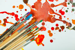 Farben und Bürsten Lizenzfreies Stockbild