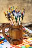 Farben und Bürsten Lizenzfreie Stockfotografie