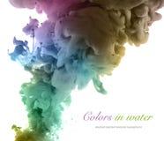 Farben und Tinte im Wasser entziehen Sie Hintergrund Stockfotos