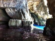 Farben von Felsen und von Wasser in Malta Lizenzfreies Stockfoto