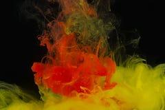 Farbenabstraktion auf einem schwarzen Hintergrund Stockfotografie