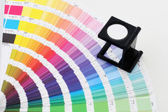 Farbenanleitung mit Objektiv Stockfoto