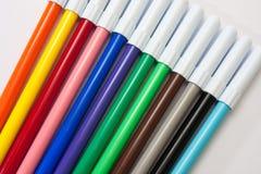 Farbenbleistifte auf einem weißen Hintergrund Lizenzfreies Stockbild