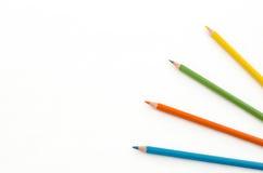Farbenbleistifte getrennt auf weißem Hintergrund Lizenzfreies Stockfoto