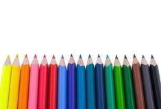 Farbenbleistifte getrennt auf weißem Hintergrund Weiche modische Pastellfarben, Abschluss oben Farbige Zeichenstifte lizenzfreie stockfotos