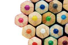 Farbenbleistifte mit unterschiedlicher Farbe Lizenzfreie Stockfotos