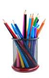 Farbenbleistifte und -federn Stockbild
