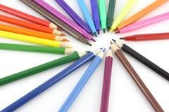 Farbenbleistifte und felt-tip Federn Stockfotografie