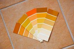 Farbendiagramme auf Fliesen Stockfotografie