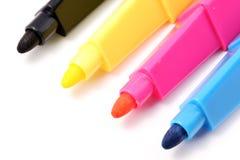 Farbenfedern: CMYK Lizenzfreie Stockbilder