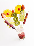 Farbenfrucht auf Glas stockfoto