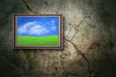 Farbenlandschaft auf der alten Wand Stockfotografie