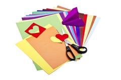 Farbenpapier mit Scheren Stockbild