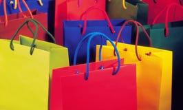Farbenreiche Einkaufstasche Stockfotos