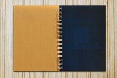 Farbenseiten eines Notizbuches Stockbilder