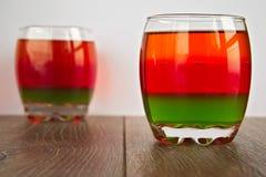 Farbgelee im transparenten Glas stockfoto