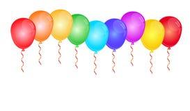 Farbglatte Ballone auf Weiß Stockfoto