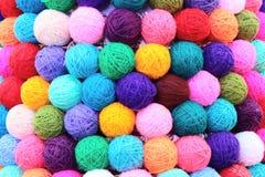 Farbige Bälle des Garnthreads Lizenzfreies Stockfoto