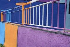 Farbige Balkonschienen lizenzfreie stockfotos