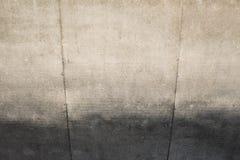 Farbige Betonmauer in der Perspektive Stockbilder