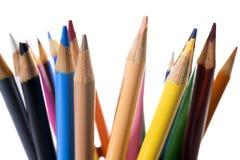 Farbige Bleistifte auf Weiß Stockfoto