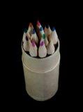 Farbige Bleistifte in einem Bleistiftkasten Lizenzfreie Stockfotos