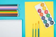 Farbige Bleistifte eingestellt Stockfotos