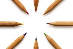 Farbige Bleistifte herum Lizenzfreie Stockfotos