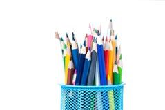 Farbige Bleistifte im Stand Lizenzfreie Stockfotos