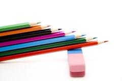 Farbige Bleistifte mit Radiergummi Stockbilder