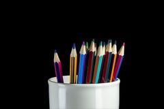 Farbige Bleistifte sind sichtbares Glas Lizenzfreies Stockfoto