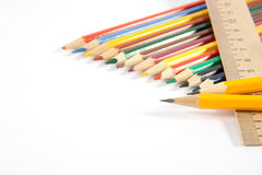 Farbige Bleistifte und ein Tabellierprogramm Stockfoto