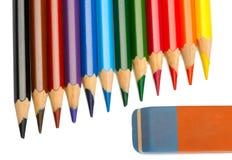 Farbige Bleistifte und Radiergummi Stockbilder