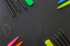 Farbige Bleistifte und Stifte Lizenzfreies Stockbild