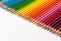 Farbige Bleistifte und Zeichenstifte Lizenzfreie Stockfotos