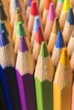 Farbige Bleistifte von verschiedenen Farben Lizenzfreies Stockfoto