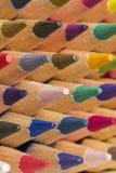 Farbige Bleistifte von verschiedenen Farben, Abschluss oben Stockbild