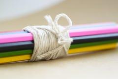 Farbige Bleistiftnahaufnahme Stockfotos