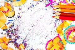 Farbige Bleistiftschnitzel Stockfotos