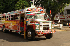 Farbige Bus Kinder, Doppelpunkt Panama Stockfotos