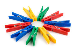Farbige Clothespins getrennt Lizenzfreies Stockfoto