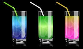 Farbige Cocktails im Glas Stockfotos