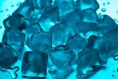 Farbige Eiswürfelnahaufnahme Lizenzfreies Stockfoto